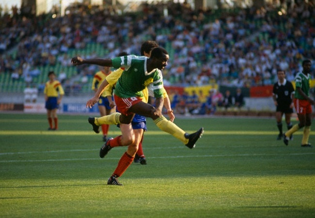 Camerun-Romania 2-1; splendida rete di Roger Milla