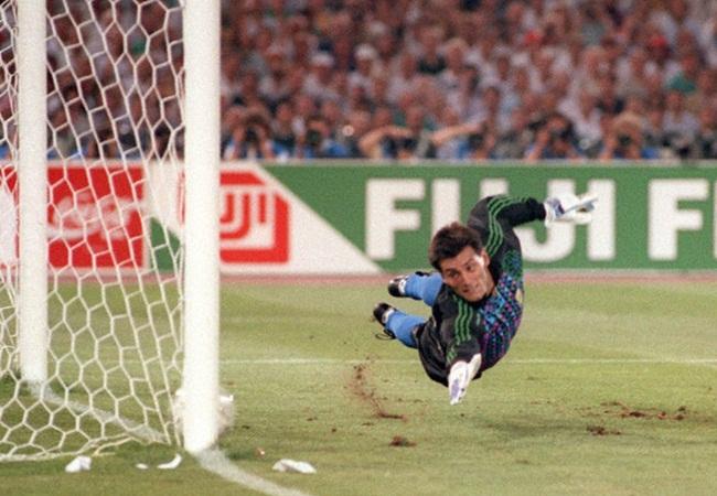 Germania-Argentina 1-0; Goichoechea battuto dal penalty di Brehme