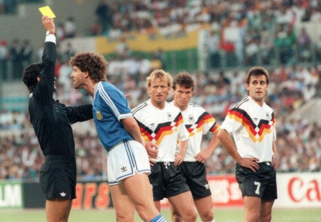Germania-Argentina 1-0; cartellino giallo per Dezotti