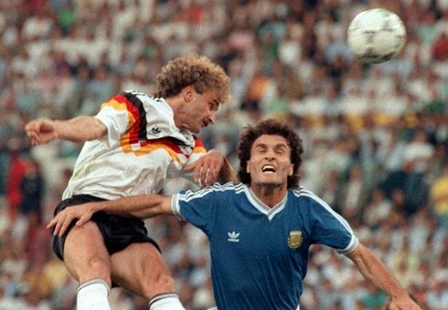 Germania-Argentina 1-0; duello Voeller-Ruggeri