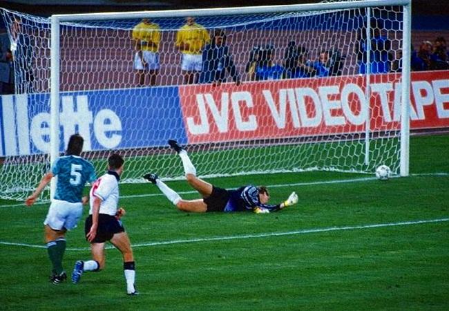 Germania-Inghilterra 1-1 (4-3 dcr); parata di Illgner