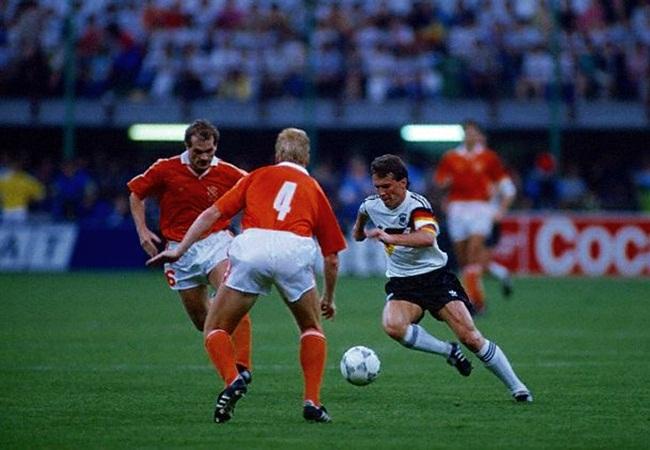 Germania-Olanda 2-1; assolo di Matthaus