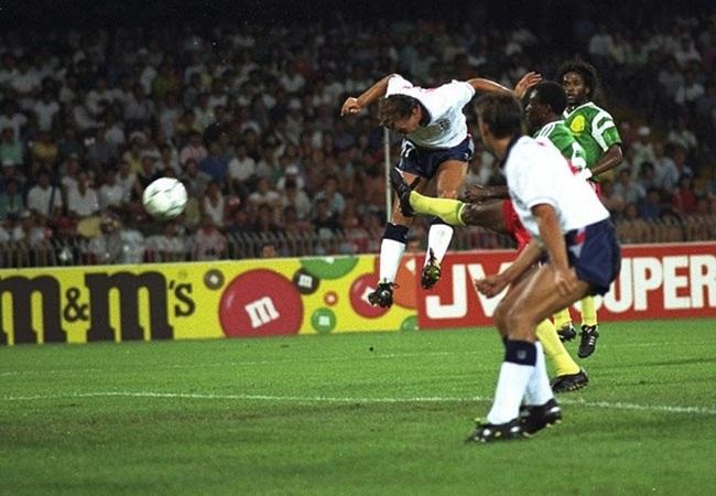 Inghilterra-Camerun 3-2; David Platt apre le marcature