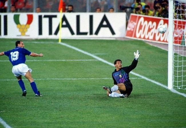 Italia-Argentina 1-1(3-4 dcr); la rete di Schillaci