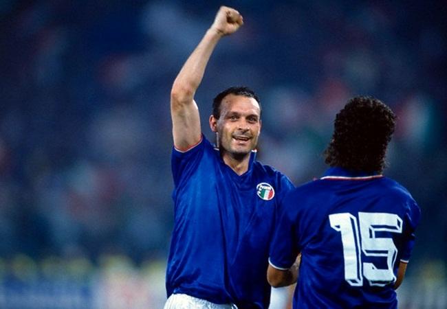Italia-Uruguay 2-0; la coppia d'oro italiana