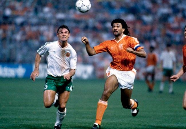 Olanda-Eire 1-1; Kevin Moran e Ruud Gullit