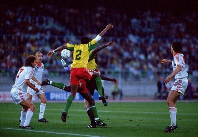 URSS-Camerun 4-0; balletto in area