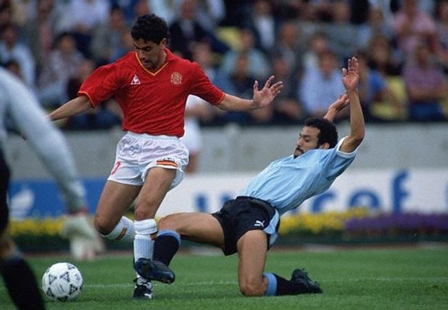 URUGUAY-SPAGNA 0-0; MANOLO E DOMINGUEZ