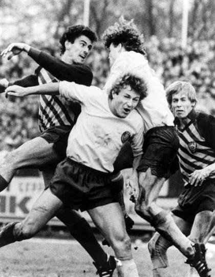 Un immagine del match tra Lokomotive Lipsia e Dinamo Berlino