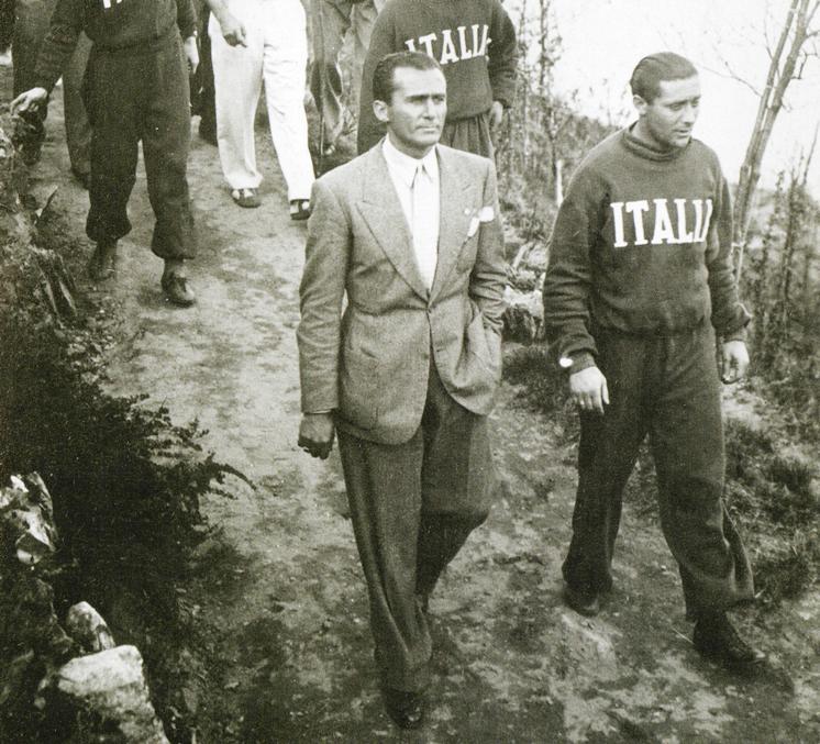 MONZEGLIO-E-MEAZZA-in-ritiro-in-montagna-prima-di-mondiali-1938-1