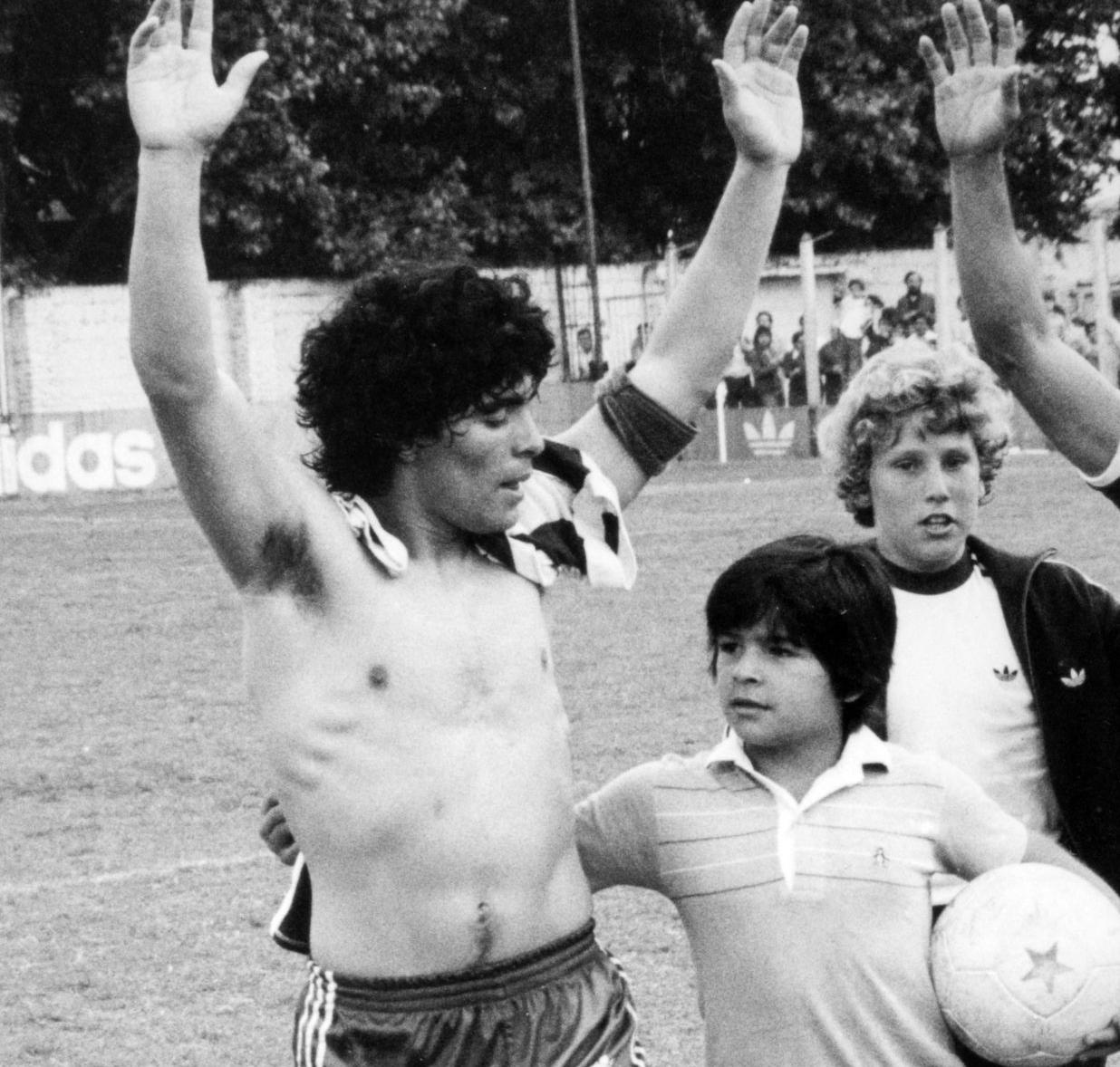 maradona diego e hugo argentinos 1979