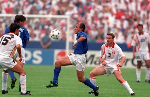 1994 World Cup Quarter-Finals. Foxboro, USA. 9th July 1994. Italy 2 v Spain 1. Italy's Antonio Conte controls the ball surrounded by Spanish players