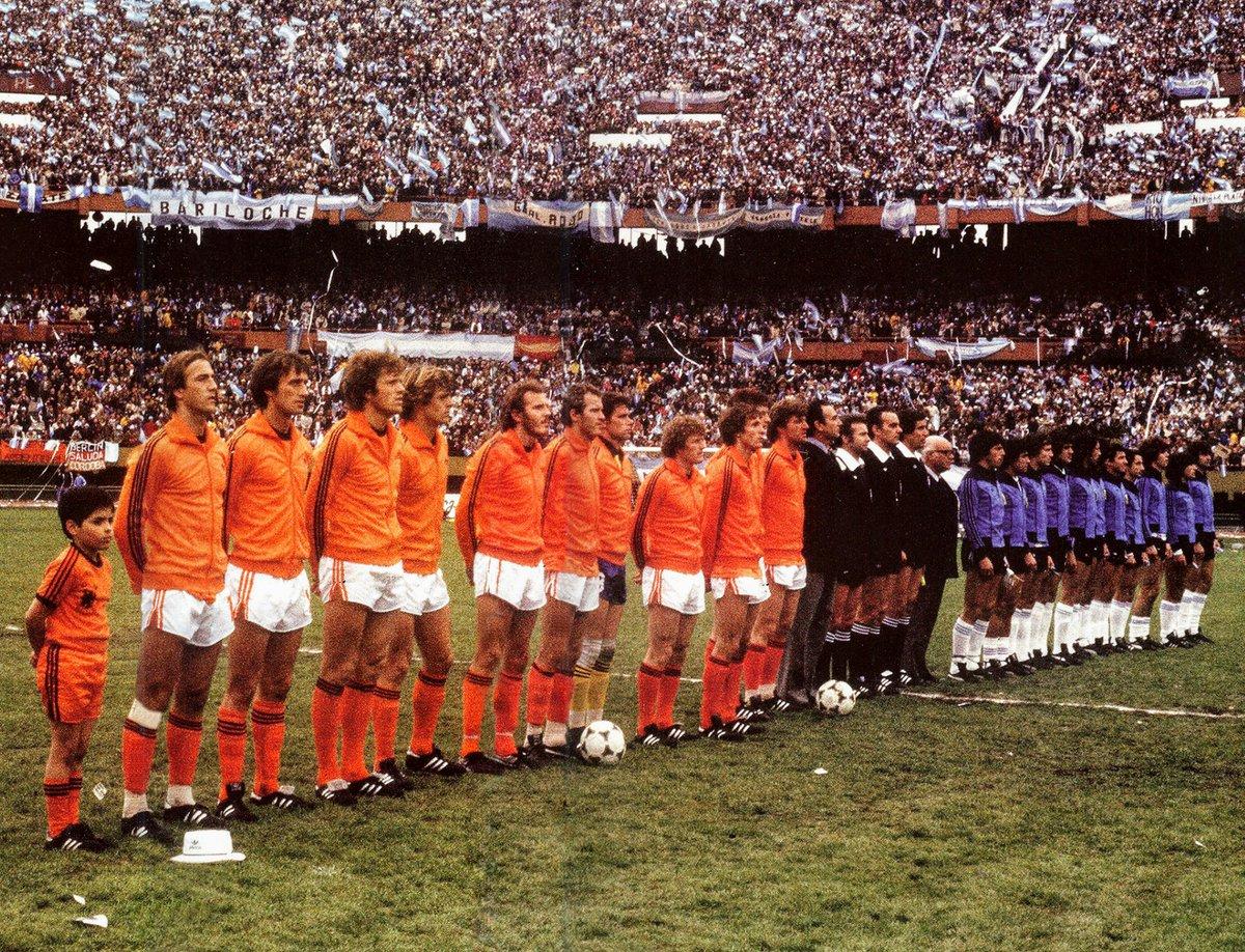 1978 Argentina-Olanda 3-1 lineups-
