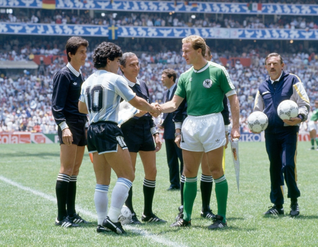1986 argentina germania ovest 3-2 capitani maradona e rummenigge